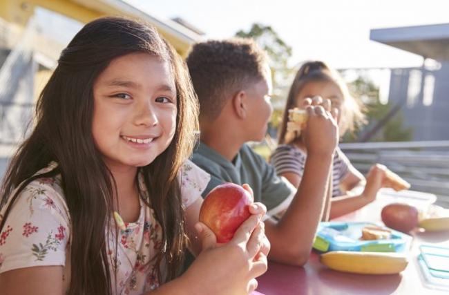 5 passos para incentivar seu filho a comer melhor