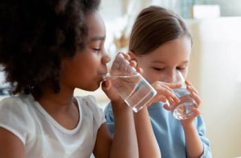 Conheça os sintomas de desidratação em crianças